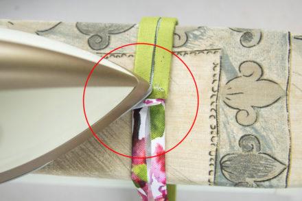 Rozprasowywanie szwów - szycie rączki do kosmetyczki
