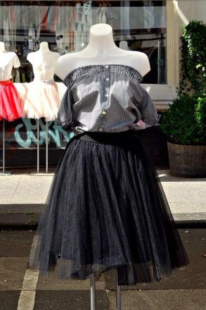 Styropianowy manekin , prezentacja odzieży