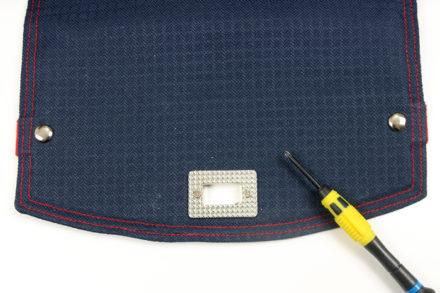 Skręcanie ramki - mocowanie zapięcia obrotowego