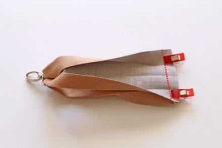 Jak uszyć pasek na nadgarstek do kopertówki