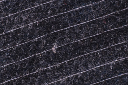 Wkład odzieżowy włókninowy przeszywany - zbliżenie