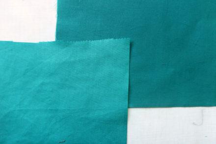 Woskowana tkanina bawełniana - zmiana koloru tkaniny podczas woskowania