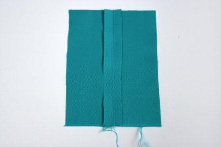 Jak rozprasować szwy w opornej tkaninie - studzenie szwów