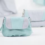 Torebka Lila - mała torebka z klapką i zakładkami