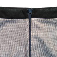 Spódnica na podszewce wykończona obłożeniem w pasie