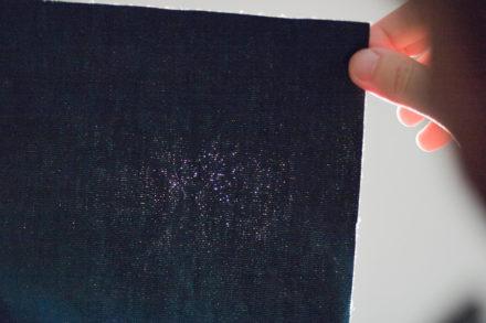Prześwity w tkaninie - luźny splot tkaniny
