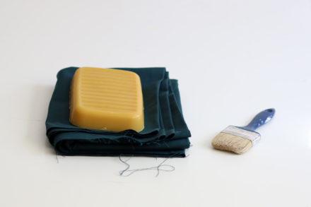 Woskowanie płotna - potrzebne materiały i narzędzia