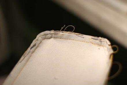 Wykorzystanie zszywek przy szyciu torebek